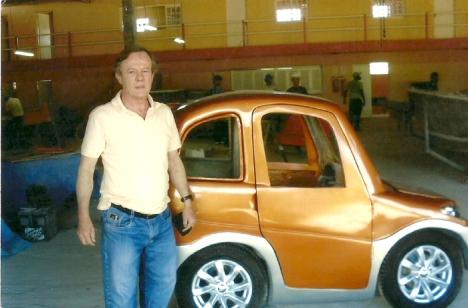 Lajeadense cria carro elétrico que gasta R$2,00 para andar cerca de 200km
