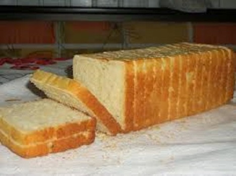 Pão de fôrma sem glúten de liquidificador
