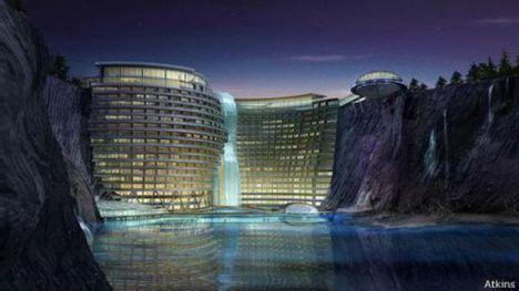 Novo hotel perto de Xangai aproveita pedreira em desuso.