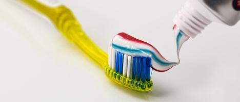 Ingredientes contidos em sua pasta de dente estão associados ao câncer piramidal.net