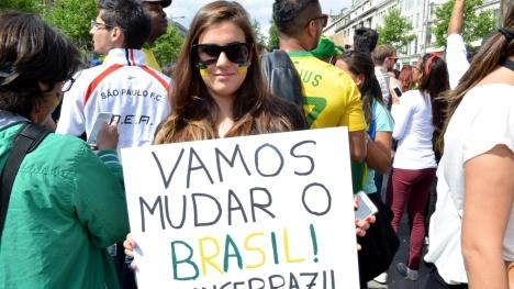 protesto-muda-brasil-piramidal.net