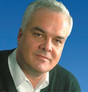 O médico Matthias Rath, grande defensor de pesquisas e tratamentos alternativos