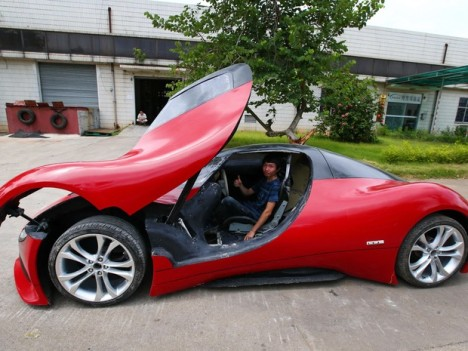 Chinês constrói carro elétrico com R$ 15 mil 2