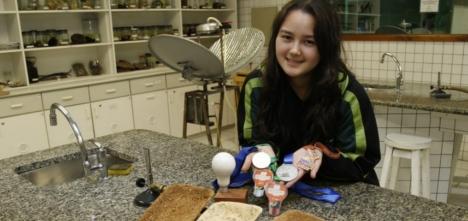 """Brasileira de 17 anos cria """"isopor"""" biodegradável a partir da cana-de-açúcar 1"""