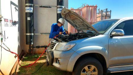 produtor-no-parana-abastece-carro-com-biocombustivel-feito-de-dejetos-animais